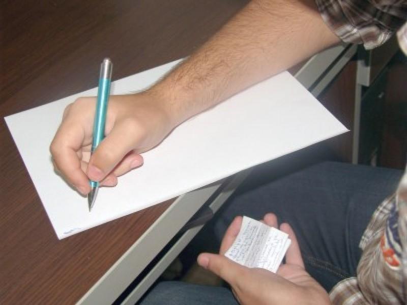 Elevi care susțineau BAC-ul, eliminați din examen pentru tentativă de fraudă!