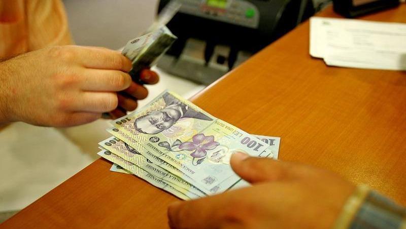 Bani în plus la salariu pentru bugetari, începând din decembrie