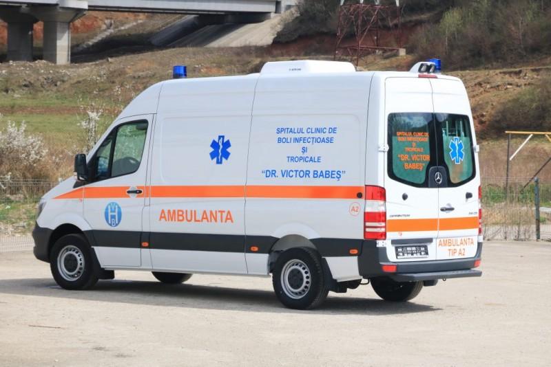 Bărbat ajuns la Urgențe, după ce a căzut de la etajul trei