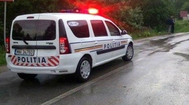 Bărbat de 62 de ani, transportat la spital, după o manevră neregulamentară a unui șofer