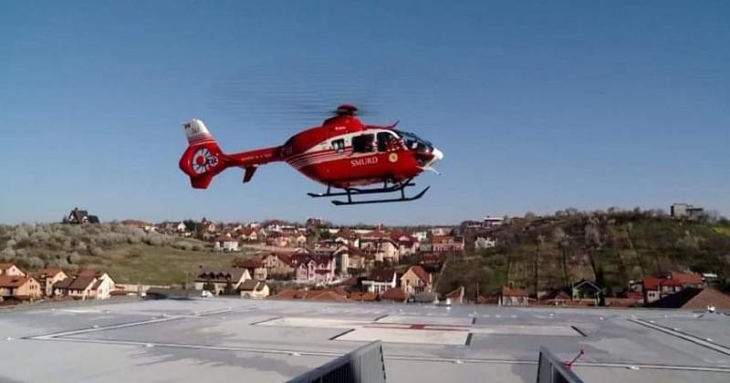 Bărbat de 66 de ani preluat de elicopter SMURD, după ce a suferit un infarct