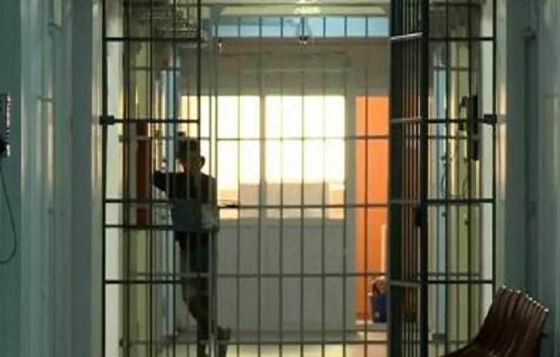 Bărbat din județ, depistat de polițiști și dus direct la închisoare. A fost condamnat pentru furt calificat
