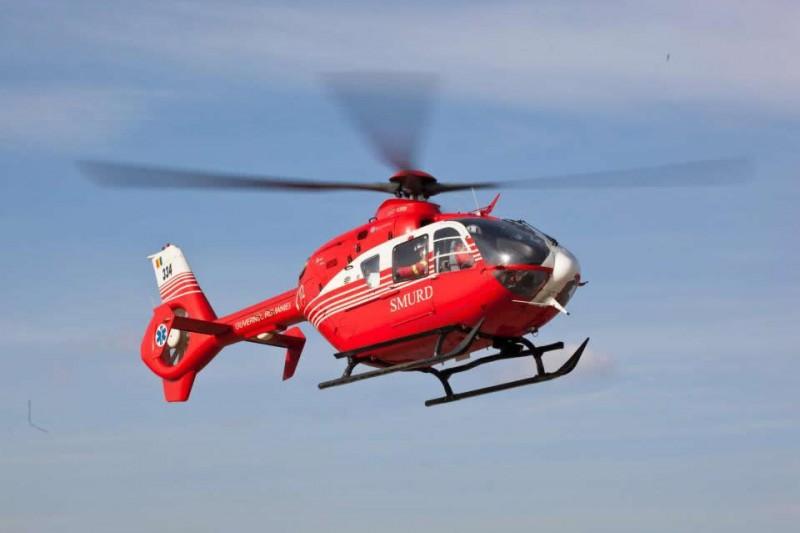 Bărbat în comă după o cădere de la înălțime, preluat de elicopterul SMURD!
