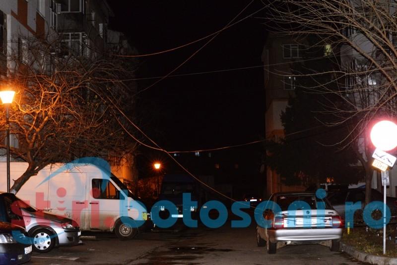Bărbat prădat pe o stradă din Botoșani, la ceas de seară!