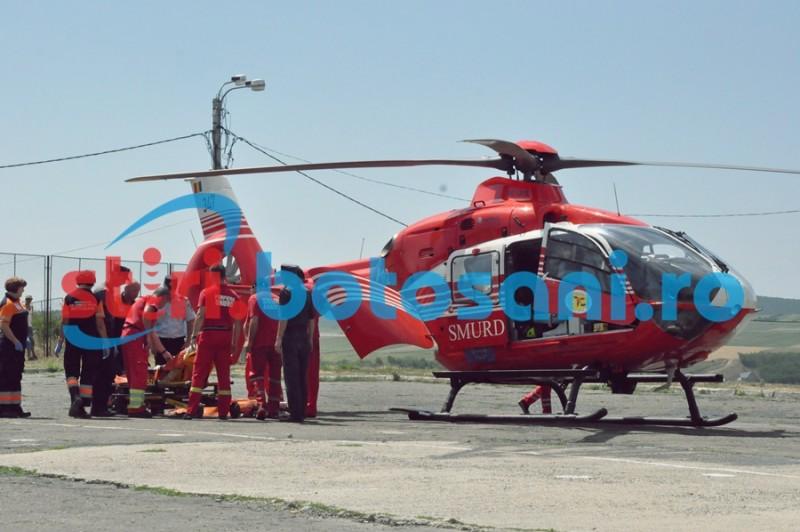 Barbat preluat de elicopterul SMURD, dupa ce a cazut de pe o schela de la etajul trei