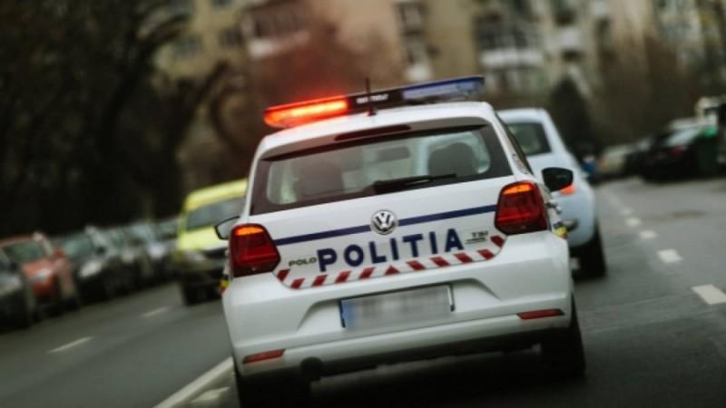 Adolescent de 14 ani prins conducând fără permis