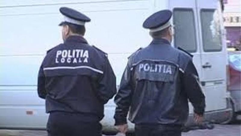 Bărbat sancţionat de poliţiştii locali pentru că filma cu telefonul cum voiau să amendeze un şofer