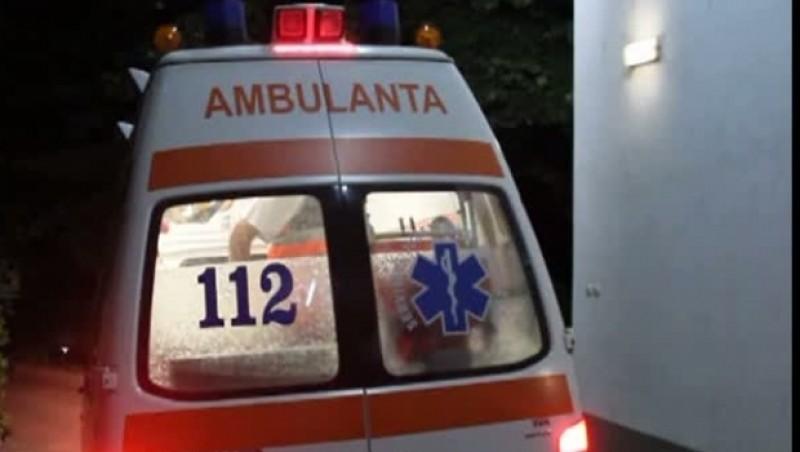 Bărbat transferat de urgență la Iași, după ce atelajul în care se afla, a fost spulberat de un autoturism