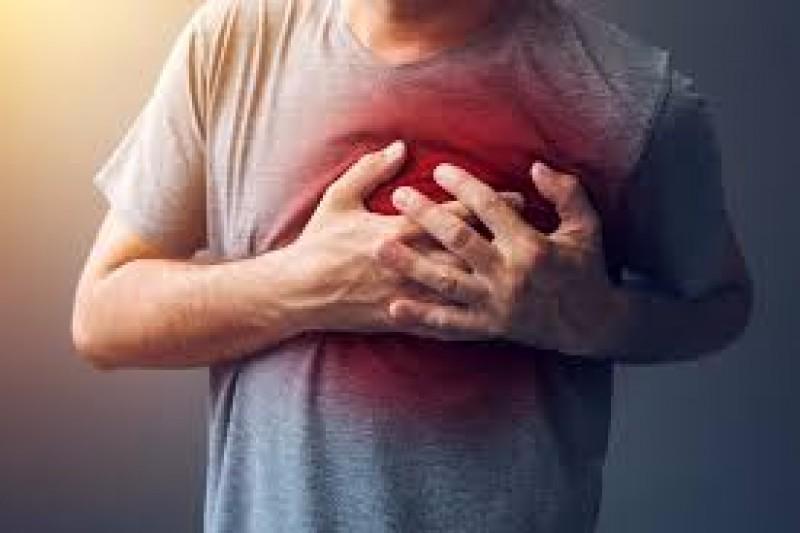 Bărbat transferat la Iași, după un infarct miocardic