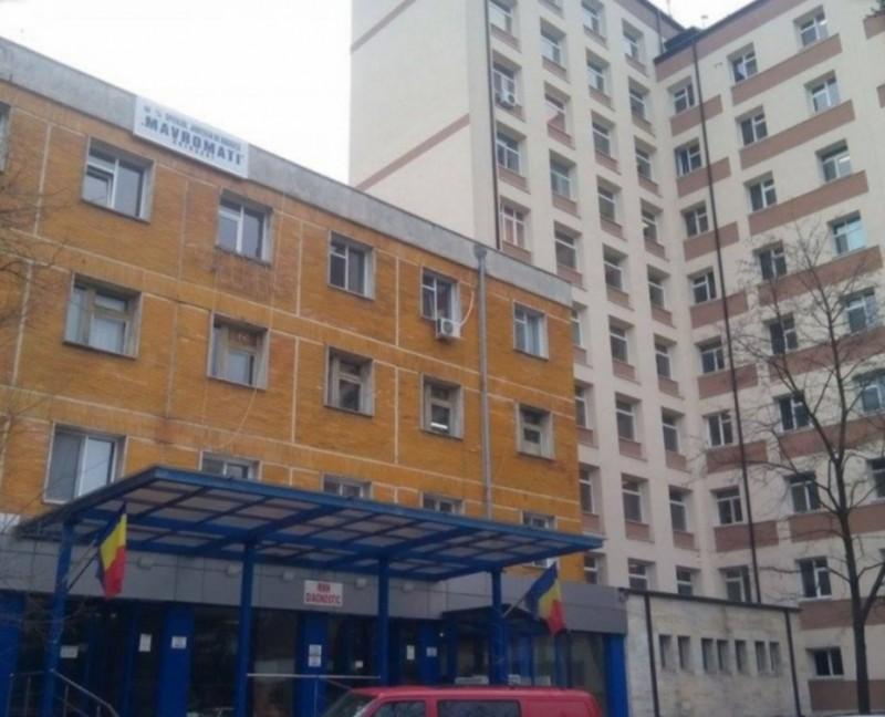 Bărbatul care a sărit de la etajul doi al Spitalului Județean, a murit în această dimineață