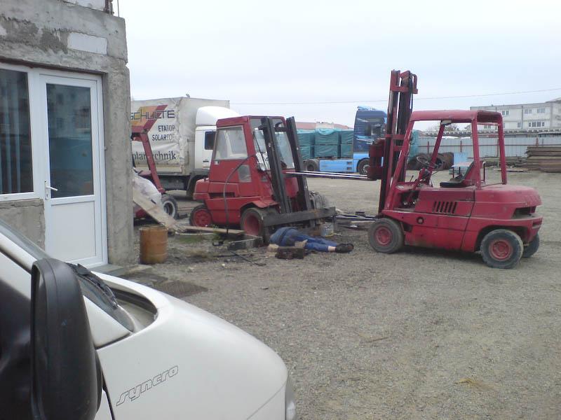 Barbatul de la depozitul de materiale de constructii, omorat de un motostivuitor - completare