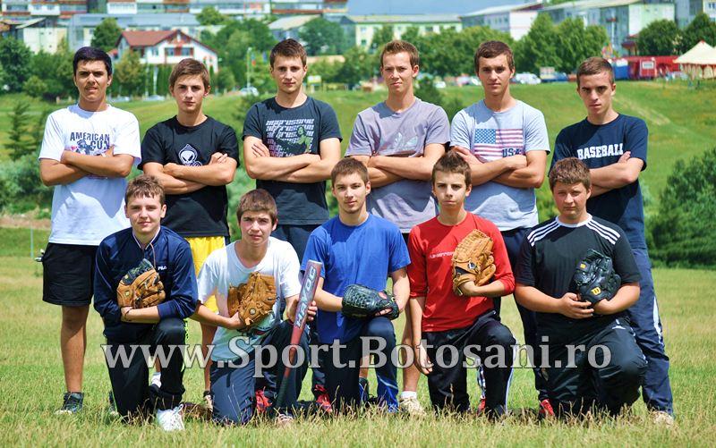 "Baseballistii botosaneni pleaca astazi la Campionatul National de Baseball :""Vrem sa stie lumea ce e ala baseball!"" - FOTO&VIDEO"