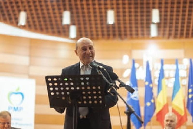 Băsescu, după afirmațiile lui Orban privind salariile din IT: Ludovice, nu-l înlocui pe Dragnea!