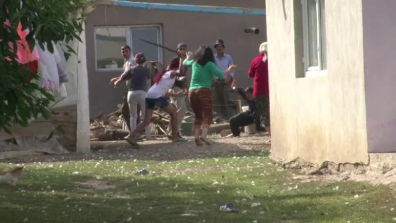 Bataie cu parii intr-o familie din Botosani! VIDEO SOCANT