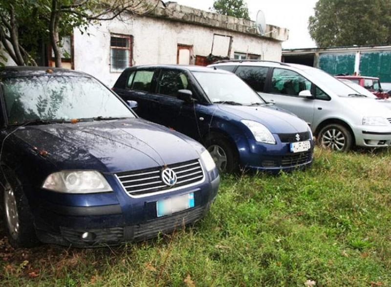 Bătălie în instanţă pe un parc de maşini confiscate