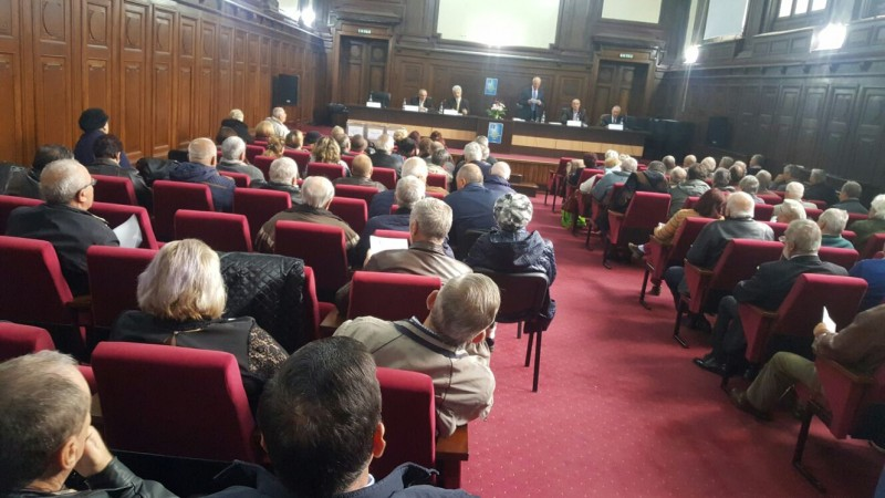 Bătrâni din Botoşani ademeniţi cu tratamente minune evaluate la preţuri exorbitante