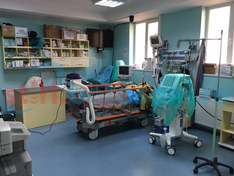 Sărbători încheiate prost pentru zeci de botoșăneni! Au ajuns la spital după ce au băut și au mâncat în exces!