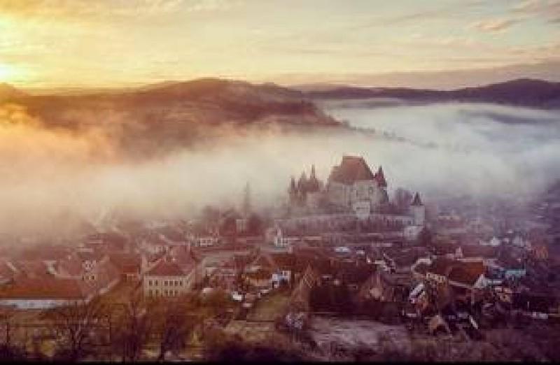 BBC scrie despre satul din Romania unde in 300 de ani a existat un singur divort. Cum erau impacati sotii