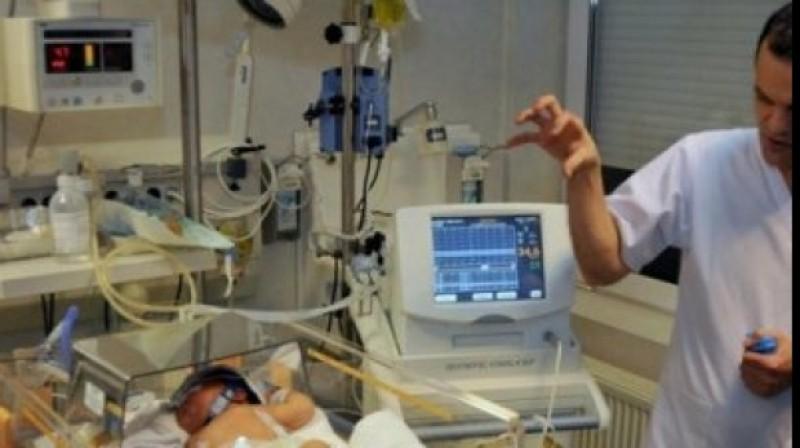 Bebeluş din Botoşani, salvat de medicii ieşeni după infectarea cu E.Coli!