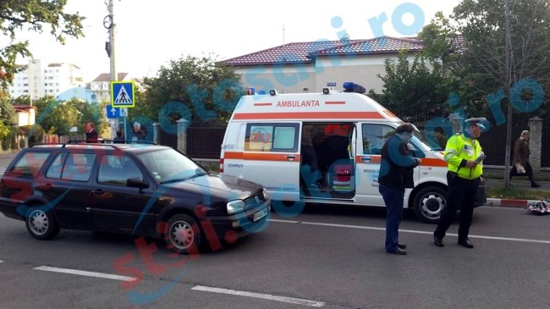 Biciclist accidentat de o mașină, pe strada Cuza Vodă! FOTO