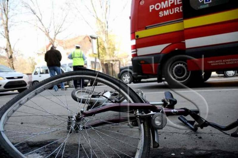 Biciclist lovit de mașină pe o stradă din municipiul Botoșani!