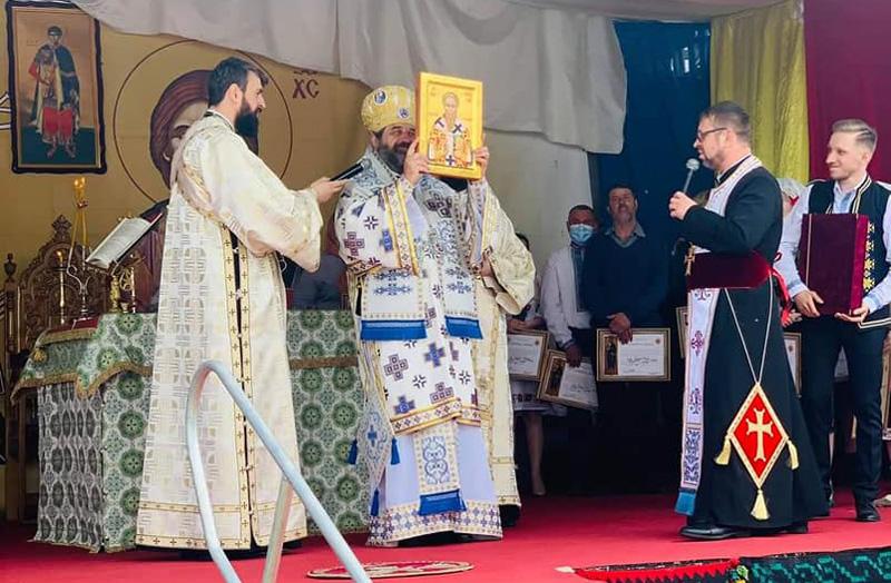 """Biserica """"Sf. M. Mucenic Dimitrie"""" de la Costești a fost resfințită după terminarea lucrărilor de restaurare"""