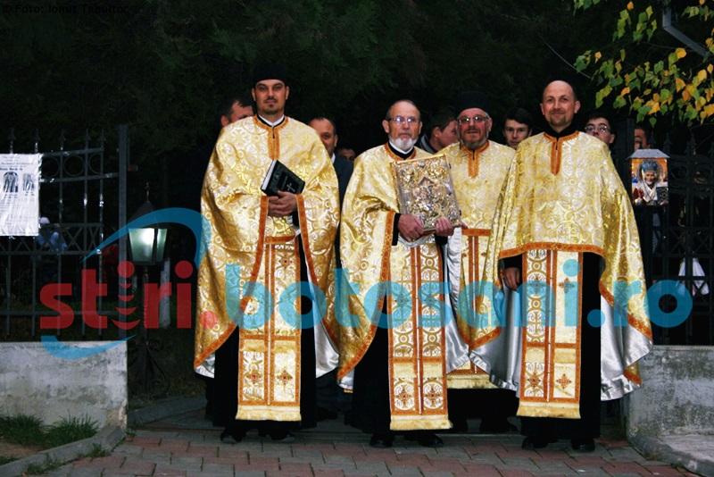 Biserica Vovidenia își cinstește hramul. Sfânta Liturghie, oficiată de Preasfințitul Calinic Botoșăneanul!