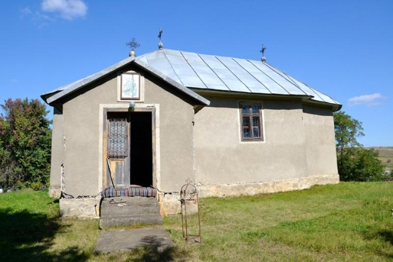 """Bisericuţa de lemn, cel mai vechi """"document"""" din Mileanca"""