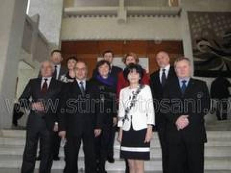 Bogați pe pământ sărac: Parlamentarii de Botoșani și bijuteriile de zeci de mii de euro!