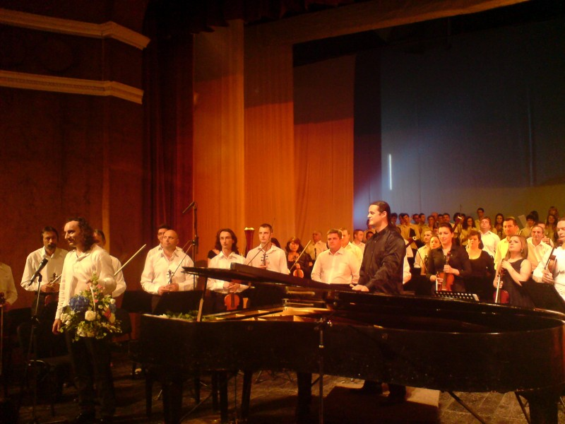 Bogdan Ota si Filarmonica Botoşani: Bucuria muzicii, la ea acasă! FOTO