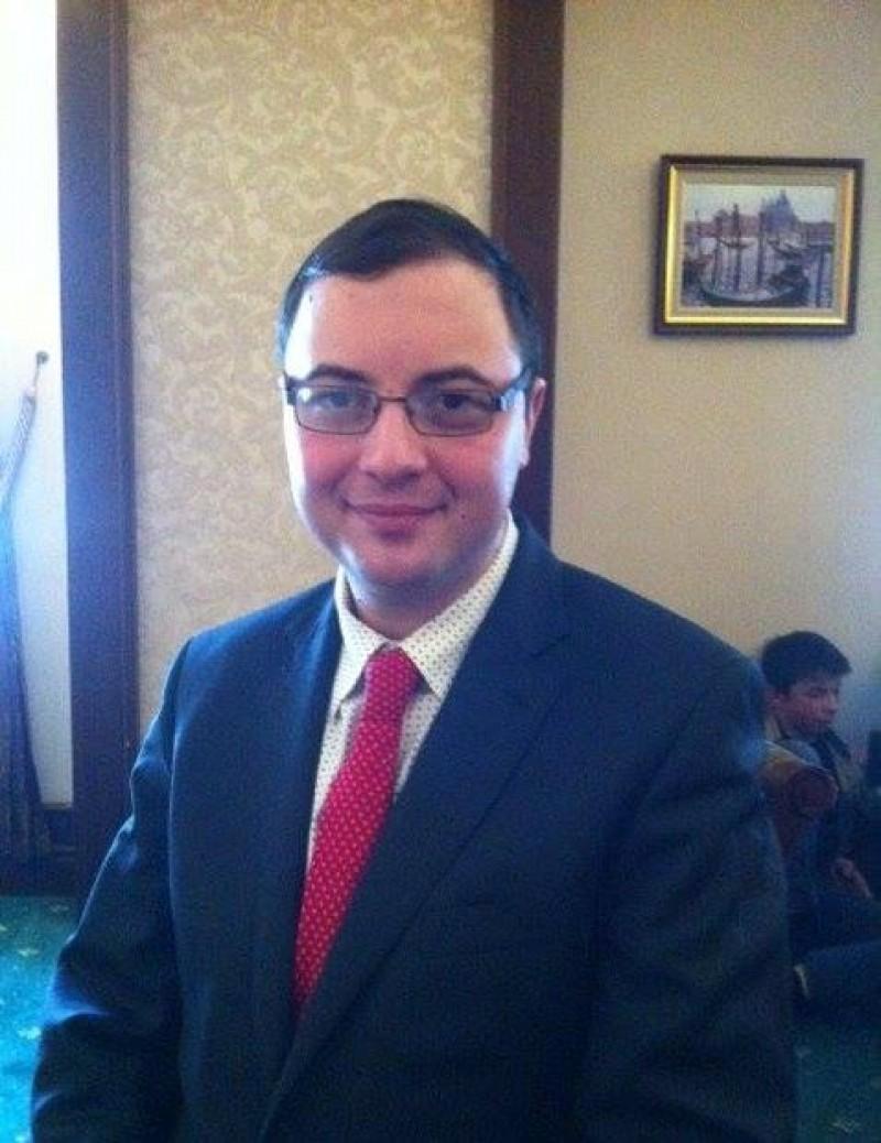 """Bogdan PÎRVU: """"Se speculează mult, oameni care nu sunt neapărat specialişti îşi dau cu părerea despre Eminescu"""""""