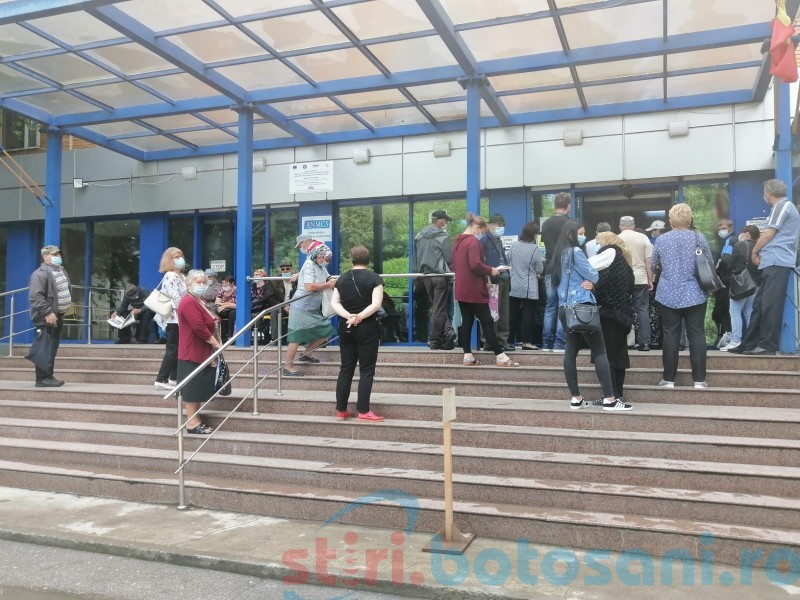 """Bolnavii din județ iau cu asalt secțiile Spitalului Județean """"Mavromati"""""""