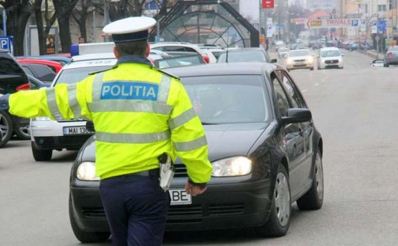 Botoșănean băgat în arest la Iași după ce a fost prins conducând deși avea permisul suspendat!