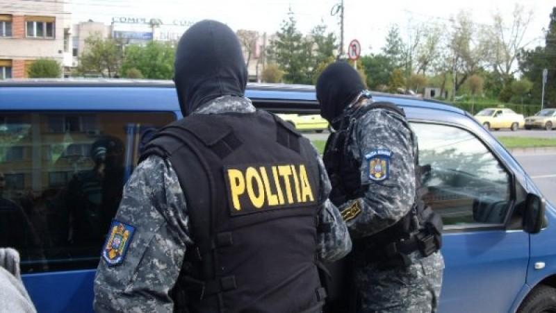 Botoşănean capturat de poliţişti după ce a comis infracţiuni în Cehia!