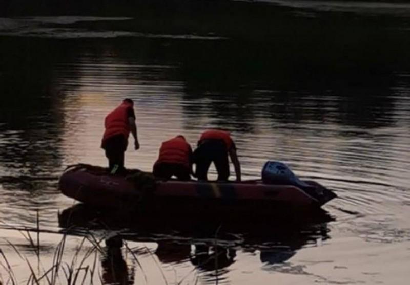 Botoșănean găsit înecat într-un iaz din apropierea domiciliului său