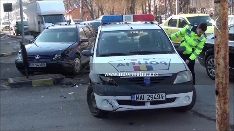 Botoșănean implicat într-un accident rutier: Autospecială de poliție avariată!