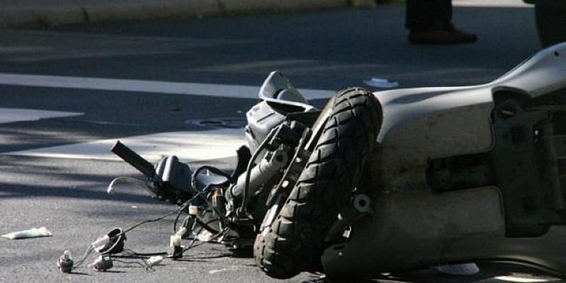 Botoșănean implicat într-un accident rutier: I-a ieșit în față un mopedist beat și fără permis!