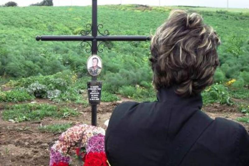 Botoșănean mort pe un câmp de roșii, comemorat de italieni: După 9 ani, nu există vinovați!