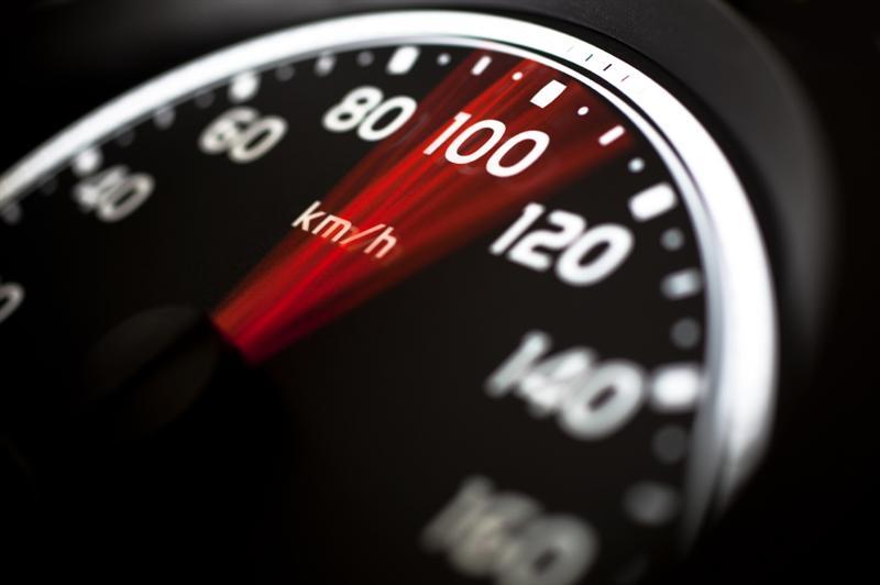 Botoșănean prins circulând cu 108 km/h, pe un sector de drum limitat la 50!