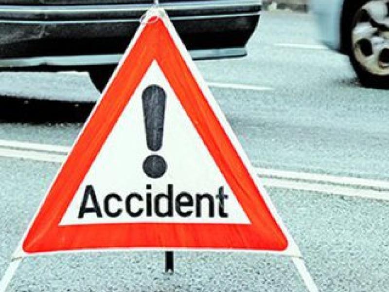 Botoșănean prins într-un carambol: O femeie rănită și trei mașini avariate!