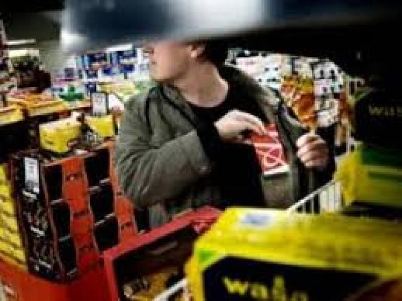 Botoșănean prins la furat în supermarket!