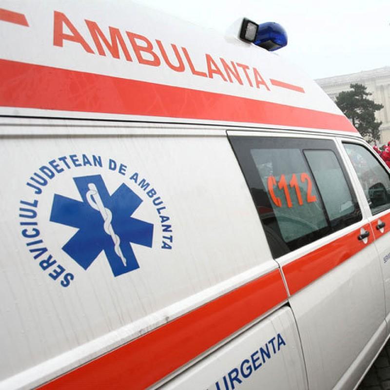 Botoşănean rănit grav, după ce a căzut de la o înălţime de 5 metri
