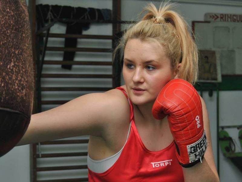 Botosaneanca Ancuta Atomei, exclusa din lotul national, in timpul Campionatul European de Box feminin