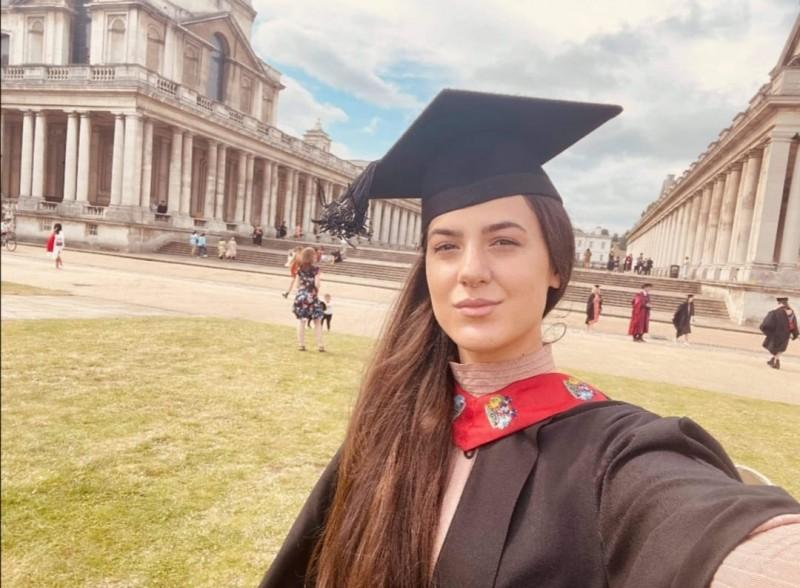 Botoșăneanca râvnită de universitățile londoneze a absolvit anul acesta una dintre ele