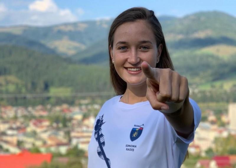 Botoșăneanca Simona Radiș și-a scos la licitație tricoul cu autograf pentru a ajuta copiii cu deficiențe neurologice