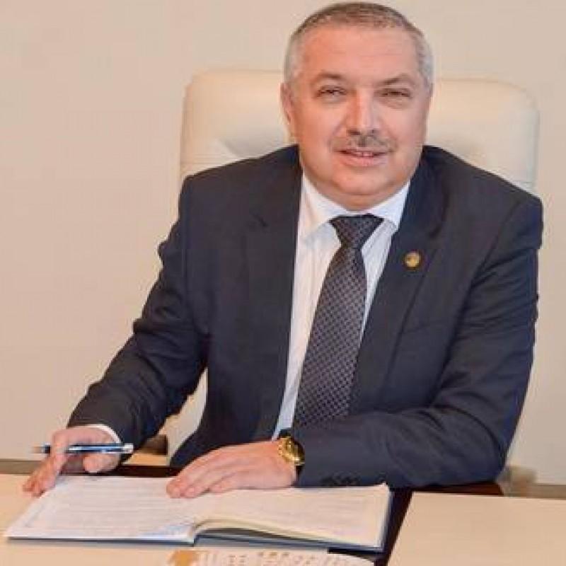 Botoșăneanul care conduce UMF Targu Mures, apel catre politicieni: Universitatea sa nu redevina subiect de negociere politica!