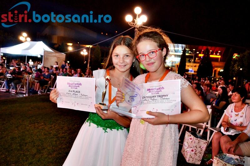 "Botosanence premiate la Festivalul International ""MusicForKids"" 2014 - FOTO"