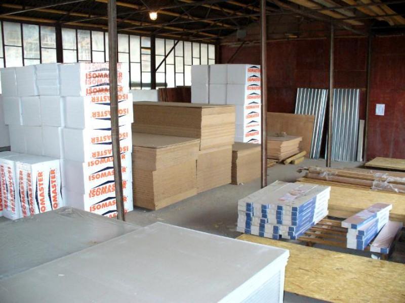 Botoşăneni furaţi de zeci de mii de lei de administratorii unui depozit de materiale de construcţie