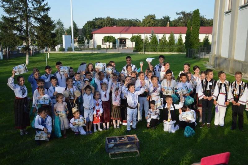 """Botoșăneni laureaţi la Festivalul-concurs de toacă pentru copii şi tineret """"Lemnul sfânt care cântă""""!"""