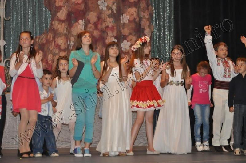 "Botosaneni pe podium la Festivalul International de Muzica ""Micul Print"" din Chisinau-FOTO"